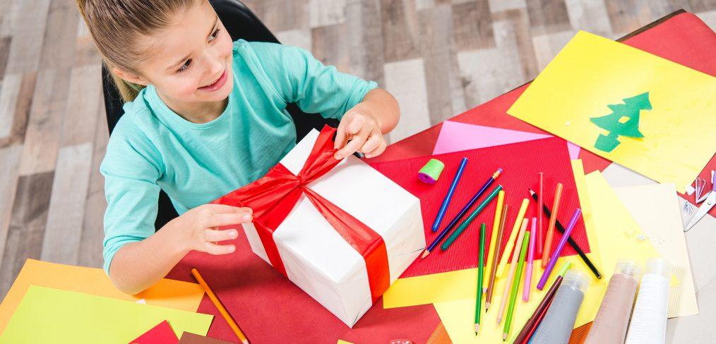 Des-cadeaux-originaux-ludiques-creatifs-et-educatifs