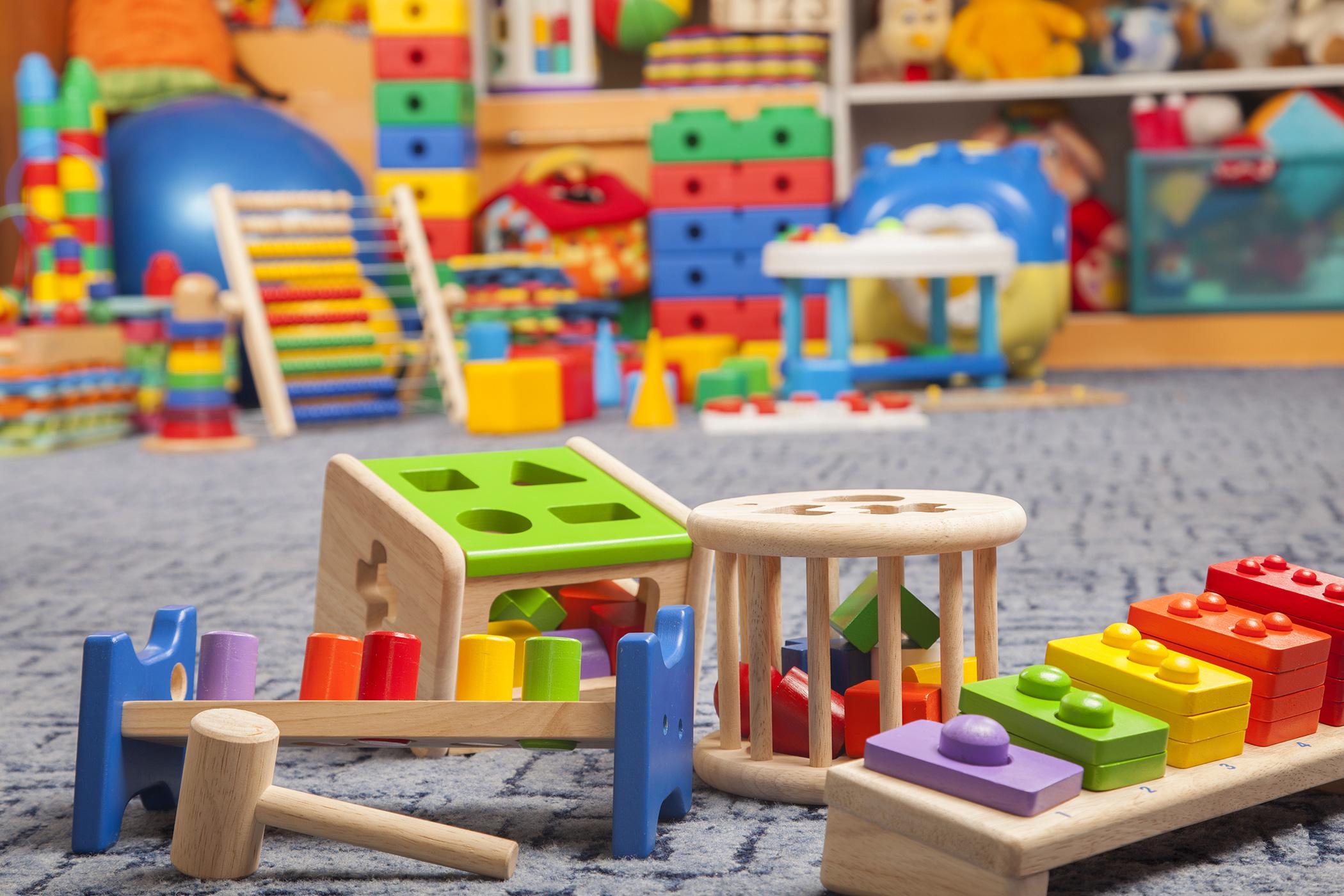 les cadeaux pour enfants en bois l authenticit est de. Black Bedroom Furniture Sets. Home Design Ideas