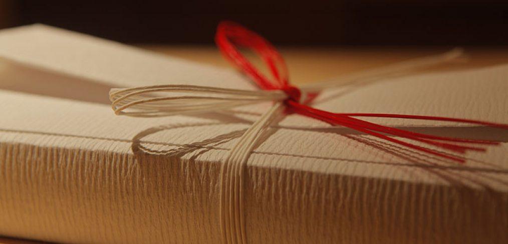 Offrir un cadeau comment surprendre et faire plaisir - Comment surprendre sa copine ...
